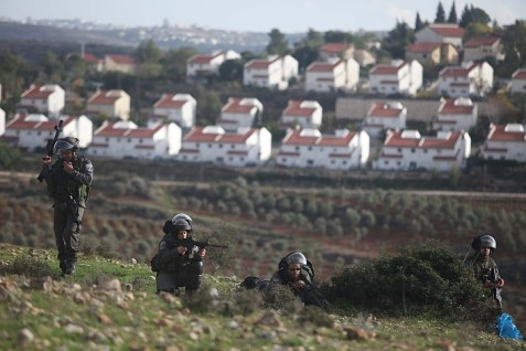 (Archive 2012) IDF protecting the town of Neve Tzuf Halamish