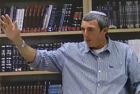 IDF Chief Rabbi Rafi Peretz delivers lecture.