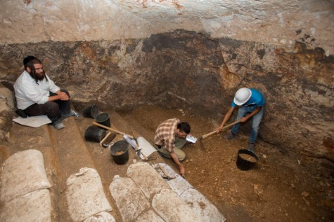 Ancient Cave Mikveh found in Jerusalem