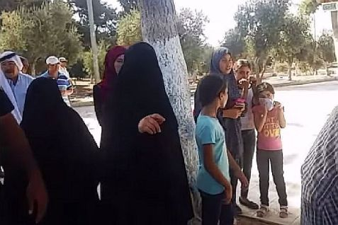 Burka-clad Muslim women who harassed a group of Jews visiting the Temple Mount. One of them viciously punched a Jewish woman in the ribs. No arrest was made.
