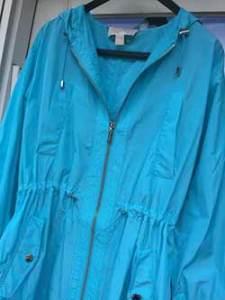 Eller-060316-Raincoat