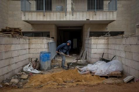 Building Beitar Ilit