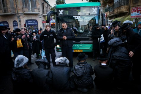 Blocking traffic in Meah Shearim