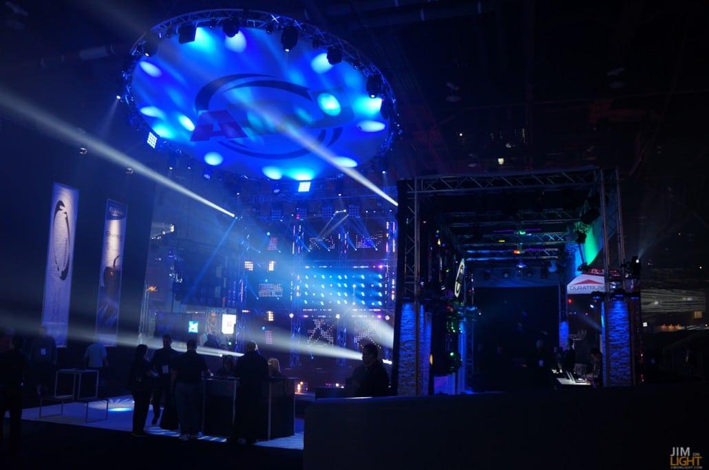 ldi2014-jimonlight-showfloor-190