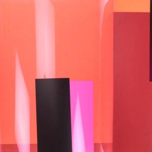 Rupprecht Geiger All die roten Farben / was da alles rot ist / ein sehr rotes Buch, 1981 Duisburg (Hundertdruck III, Guido Hildebrandt), 40 x 41 cm 78 S., davon 12 lose signierte Farbserigrafien auf festes, rotes Papier und z. T. auf schweren bedruckten Farbkunststofffolien mit Ausstanzungen Sammlung Wulf D. und Akka von Lucius Foto: Daniel von Lucius © VG Bild-Kunst, Bonn 2015