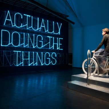MAK-Ausstellungsansicht, 2015 STEFAN SAGMEISTER: The Happy Show, Actually Doing the Things I Set Out to Do Increases My Overall Level of Satisfaction. [Wirklich das zu tun, was ich mir vorgenommen habe, macht mich glücklicher], 2012. Ausführung: Kevin O'Callahan. MAK-Schausammlung Gegenwartskunst © MAK/Aslan Kudrnofsky