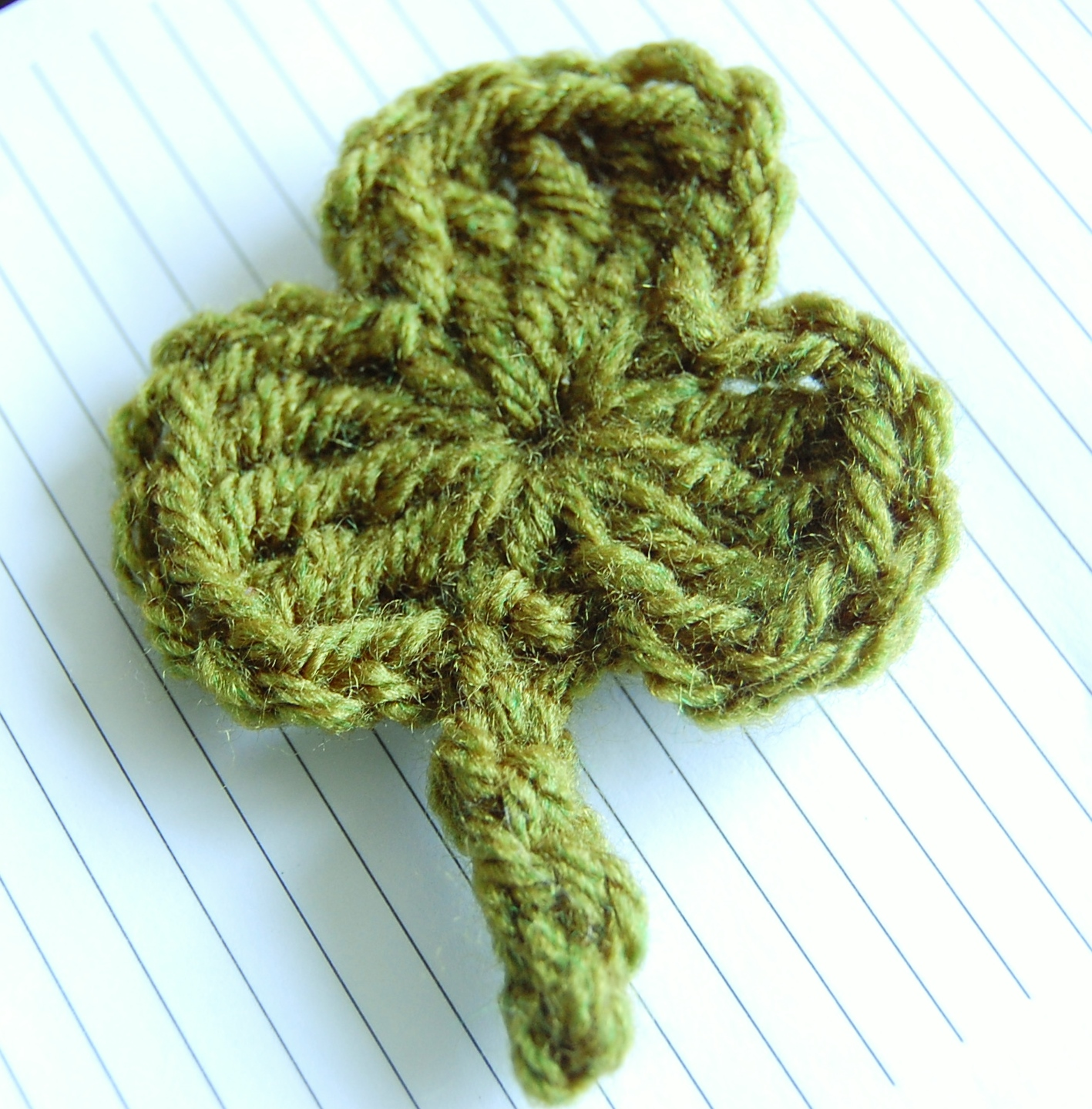 Crochet Patterns Images : Crochet Shamrock Pattern - Free
