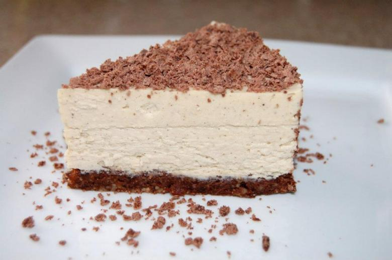 Paleo Individual Vanilla Cheesecakes