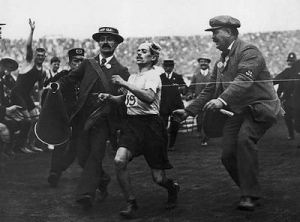Pietri crossing the finish line at the 1908 Marathon