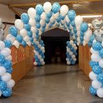 """Frozen"" Christmas Party Balloon Display"