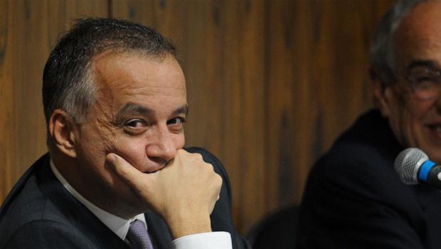 Após pedido de habeas corpus, Justiça manda Cachoeira para prisão domiciliar
