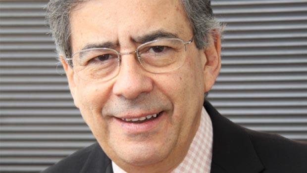 Paulo Henrique Amorim lança livro e sugere que Roberto Marinho era o verdadeiro rei do Brasil