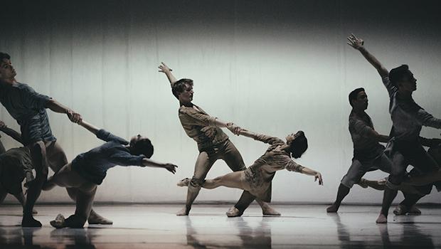 A arte da dança  de todos os cantos  do mundo nos palcos goianos