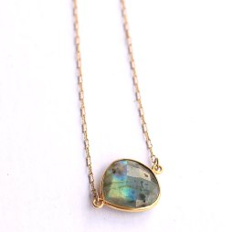 bezel-labradorite-necklace-handmade-jewelry