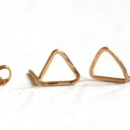 hammered-triangle-post-earrings-studs-14k-gold-filled-handmade
