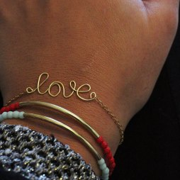 handmade-jewelry-wire-love-bracelet-gold