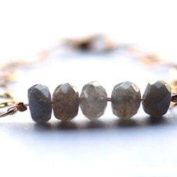 labradorite-handmace-14k-gold-bracelet-jewelry