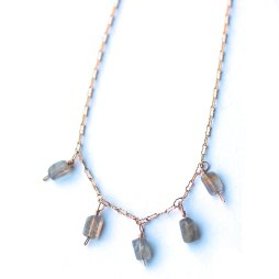 labradorite-necklace-dainty-jewelry-wholesale-atlanta-ga