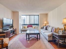 131 Beecroft Rd Living Room