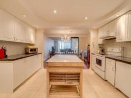 131 Beecroft Rd Condo Kitchen
