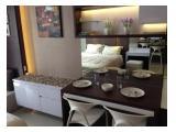 ruang makan studio dengan interior mewah