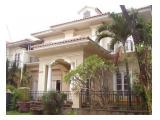 Rumah Mewah dengan Kolam Renang Bukit Golf Cibubur