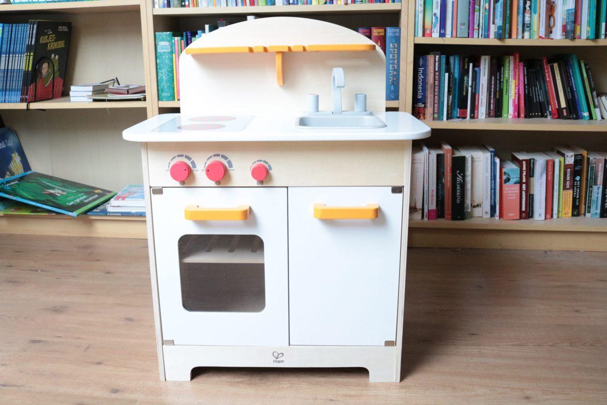 Keuken Gereedschap Met Namen : Review: Hape houten keuken – www.jufmaike.nl