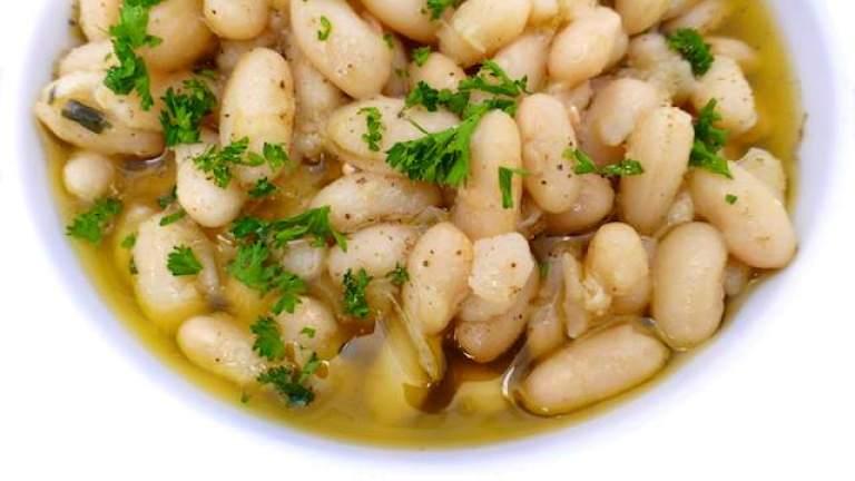 Tuscan Braised White Beans Recipe aka Fagioli all'Olio...