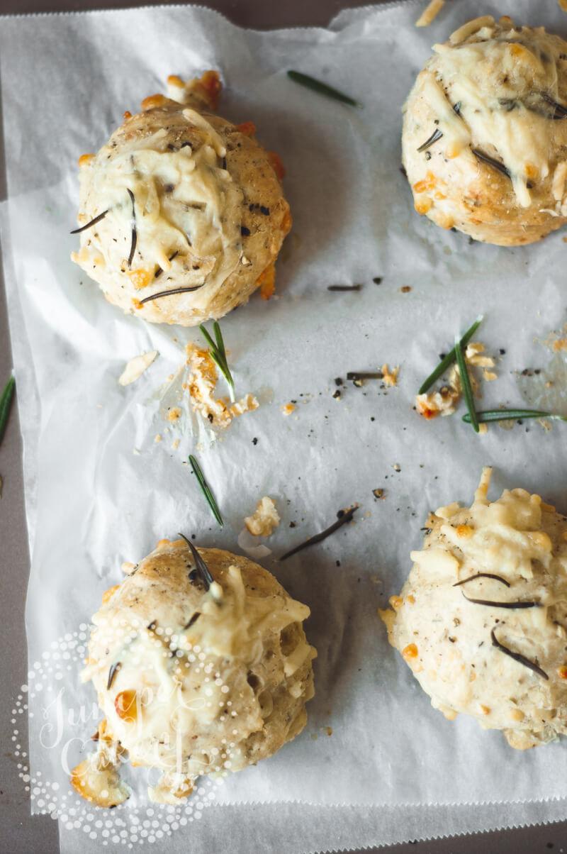 Recipe for savoury cheese scones