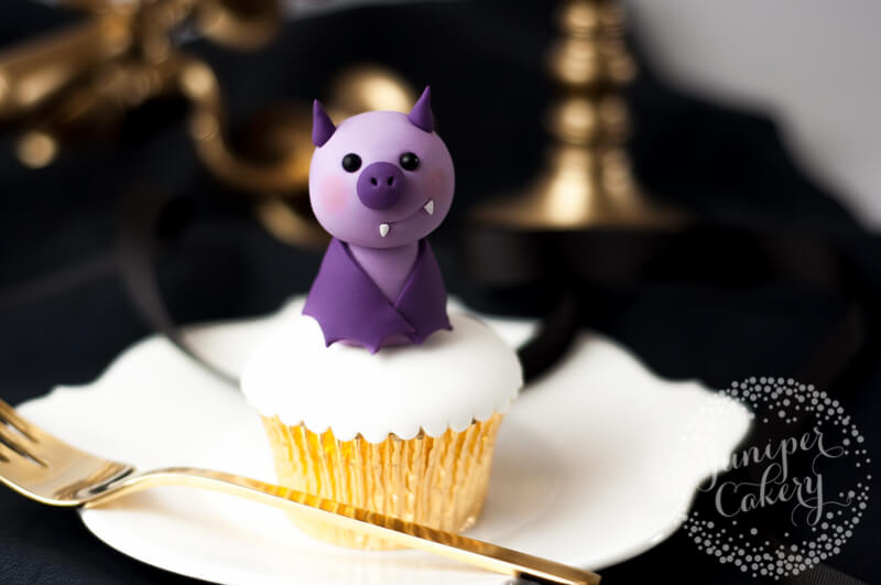 Easy and cute fondant bat tutorial by Juniper Cakery