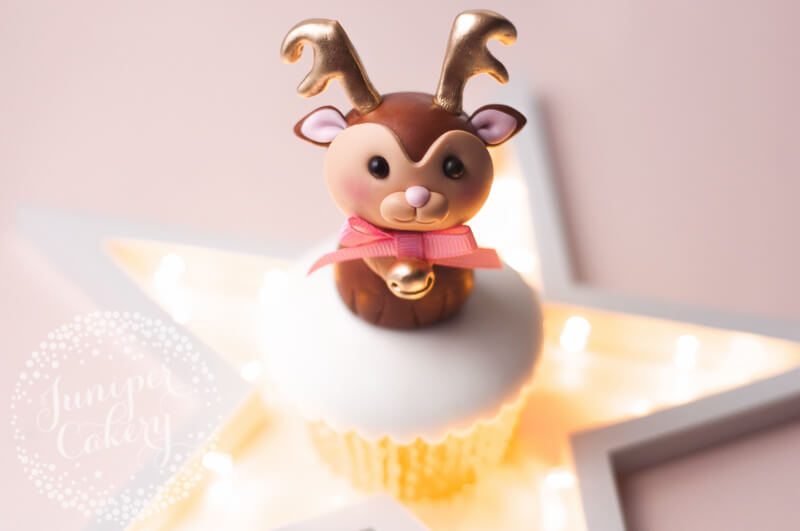 Fondant reindeer tutorial by Juniper Cakery