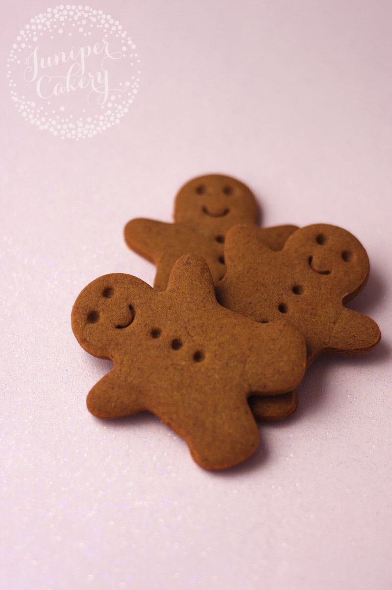 How to bake gingerbread cookies for Christmas