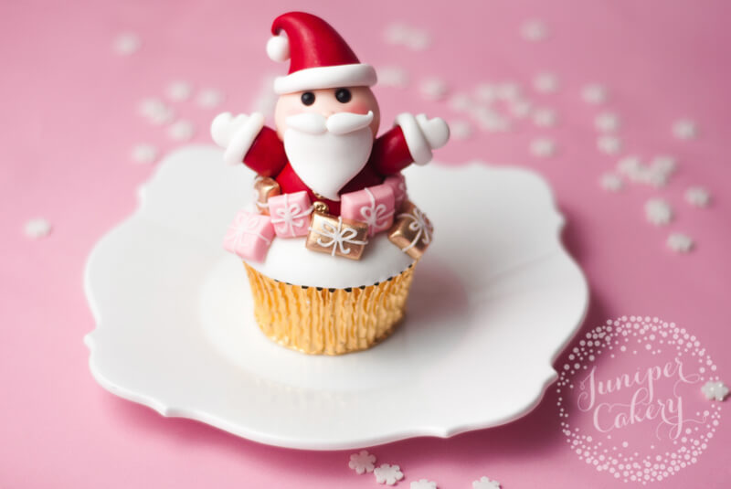 Sweet Santa cupcake tutorial for Christmas