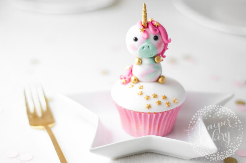 How to make a fun pastel fondant unicorn cupcake topper by Juniper Cakery