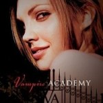Review: Vampire Academy #1 by Richelle Mead