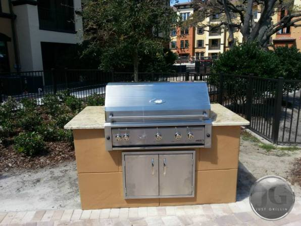 Outdoor living and kitchen design gallery just grillin for Outdoor kitchen designs florida