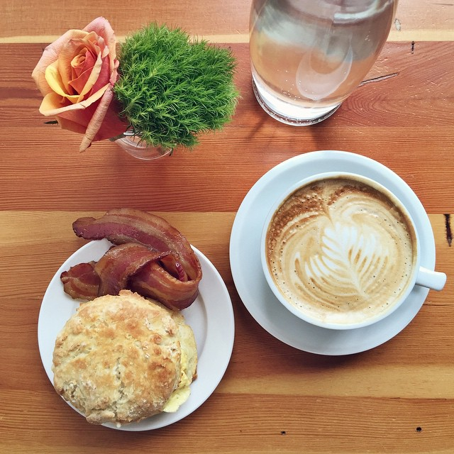 Breakfast for one at my favorite cafe in #Portland, @commissarycafe.…