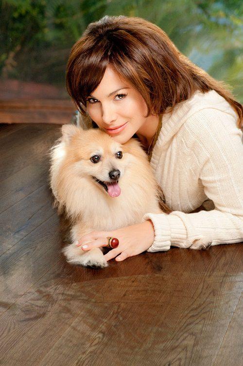 Patricia de Leon with dogs K9