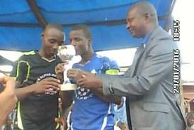 Sports-Dabola: La 12ème Année remporte le trophée du tournoi scolaire du Lycée Barry Diawadou (2-0)