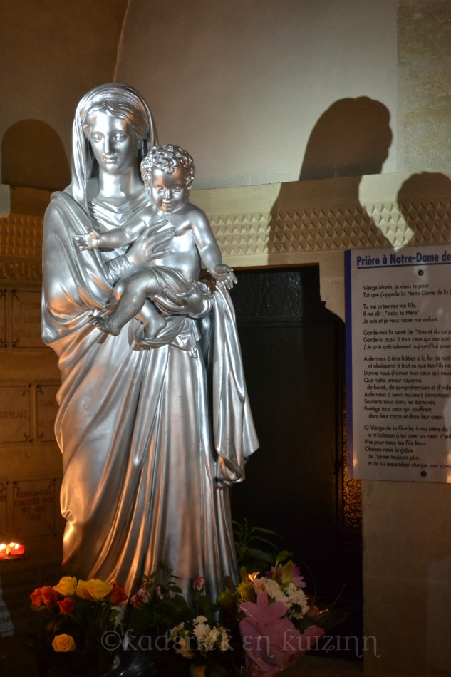 """Statue de la Bonne Mère à Marseille pour le thème """"lumière"""" du projet 52"""