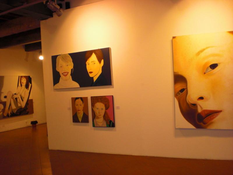 Opere di Castelli nell'allestimento della mostra L'Altra Donna