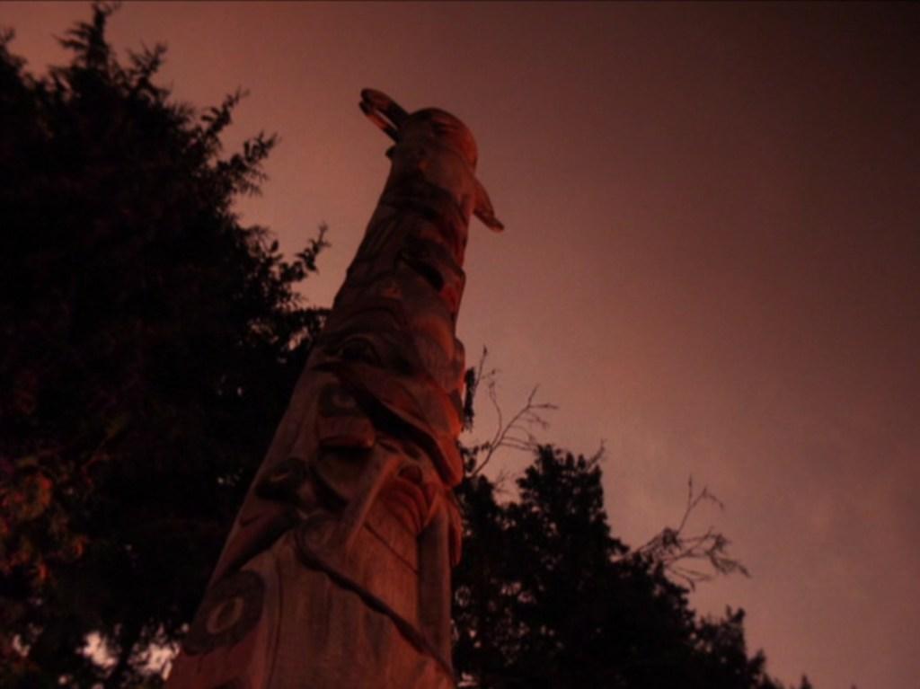 Great Northern totem tpep21_159, via intwinpeaks.com