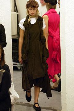 Comme des Garçons Spring 2003 Ready-to-Wear 27,  via vogue.com
