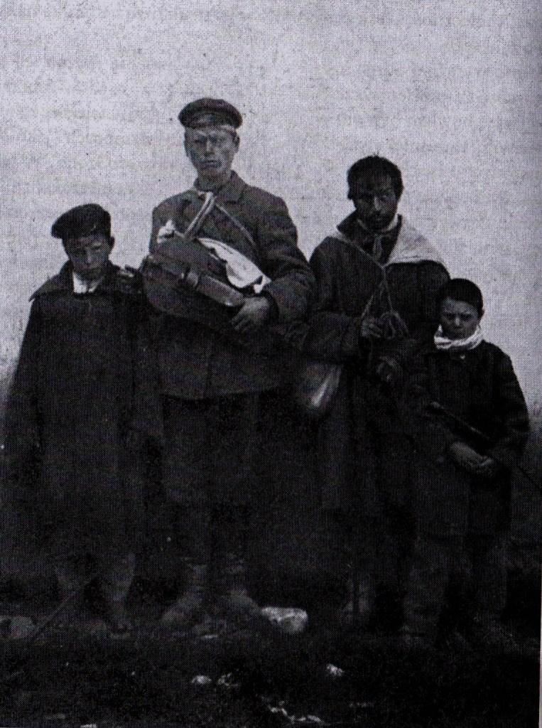 liroldo e mendicanti bielorussi, foto J Bulhad, prima del 1913, via dziady di piotr grochowski, edizioni paralele-2
