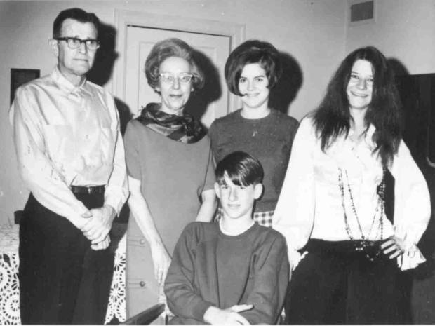 janis-joplin-and-her-family