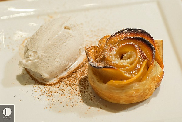 Baked Quince Roses