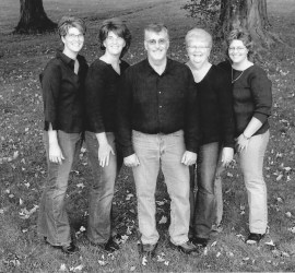 2005 Family Photo: Kandace Chapple, Kerry Winkler, Barry Kalnbach (not in koala shirt for once), Judy Kalnbach (tags just cut off new shirt) and Lori Maki.