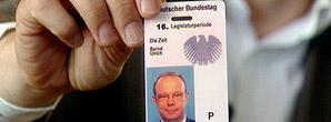 BT-Ausweis-Bernd-Ulrich