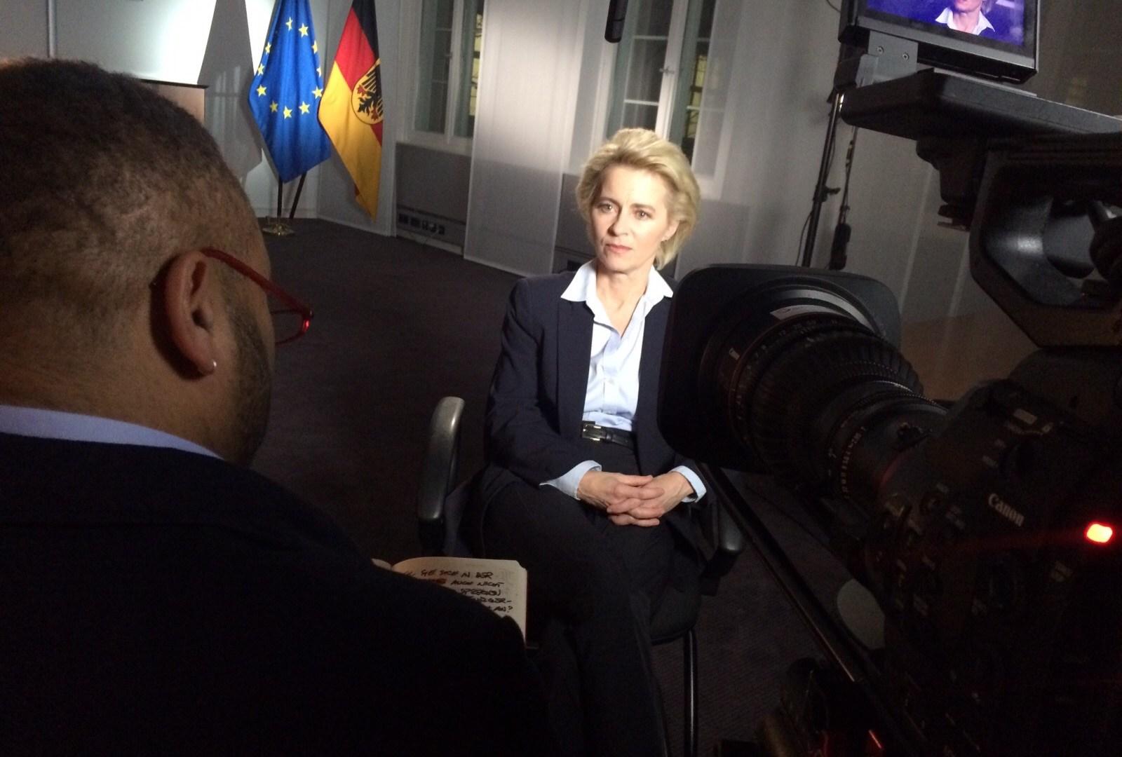 Verteidigungsministerin Ursula von der Leyen im Interview