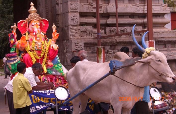 Ganesha idol in front of Ulsoor temple, Bangalore